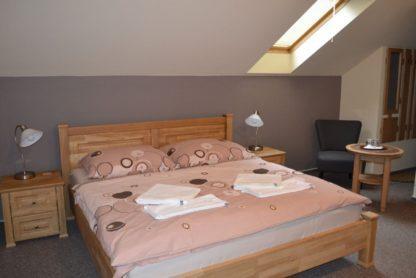Masivní dubová postel Paris 160 x200 cm, včetně roštů. LIKVIDACE
