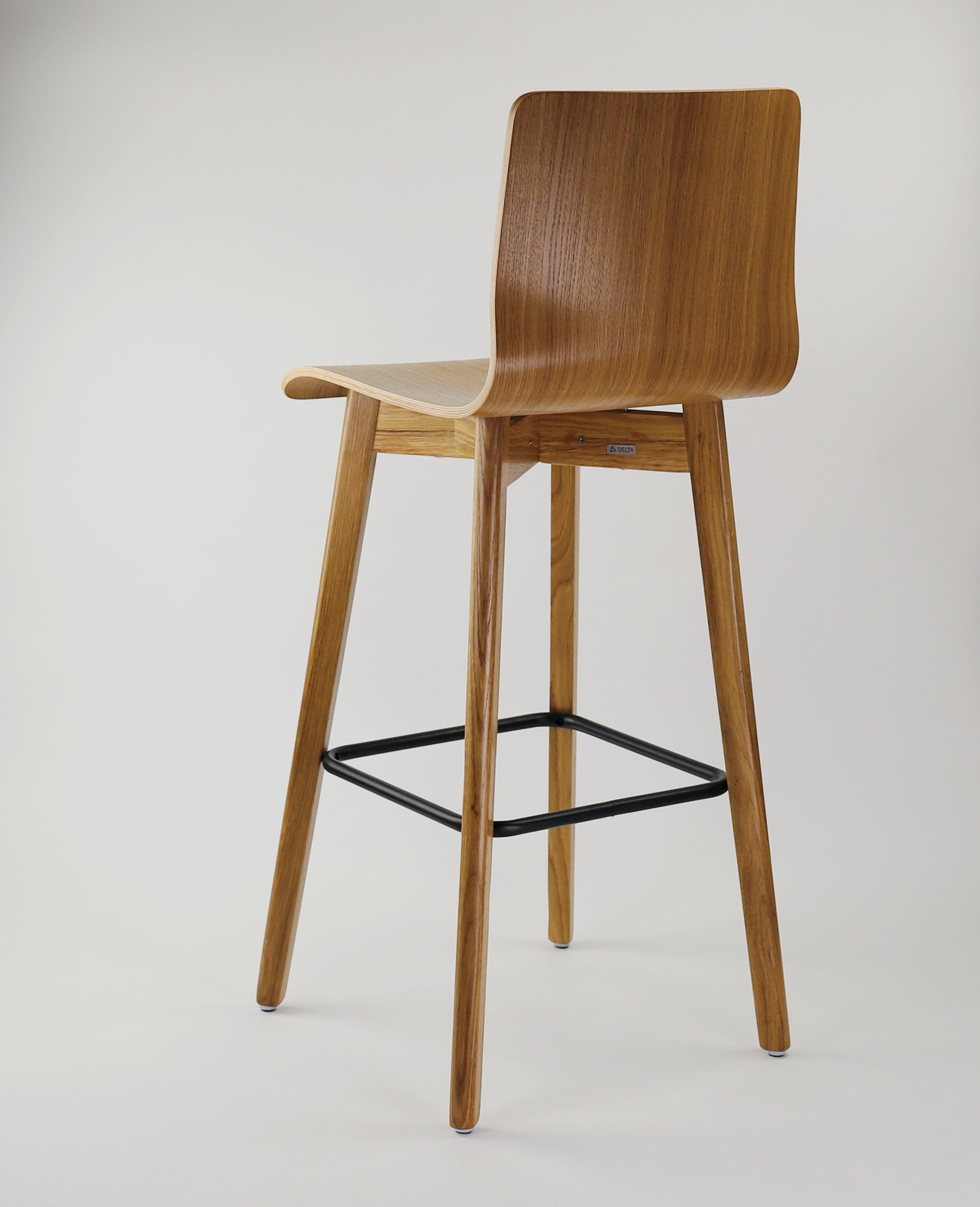 Dubová olejovaná jedálenská stolička Luka L Bar