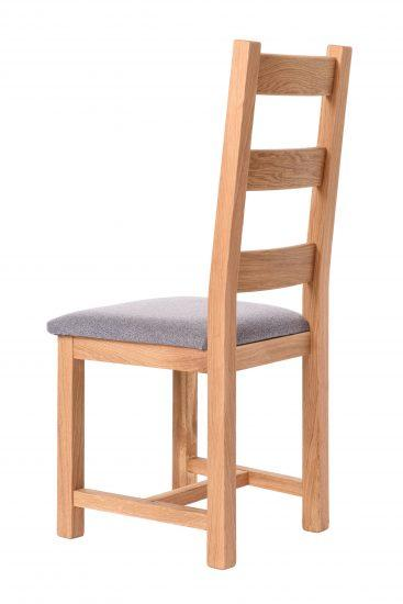 Dubová olejovaná židle Ladder Back šedá látka